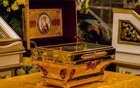 Кивотот со моштите на св. рамноапостолен кнез Владимир